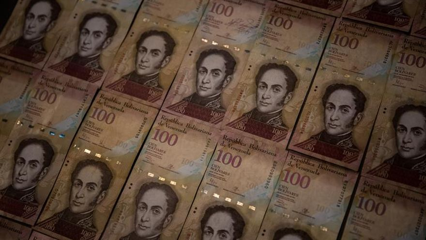 Venezuela decomisa los billetes que entran por la frontera con Colombia