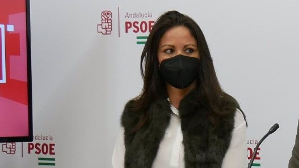 La alcaldesa de Fuente Obejuna (Córdoba), la socialista Silvia Mellado, en la sede de su partido.
