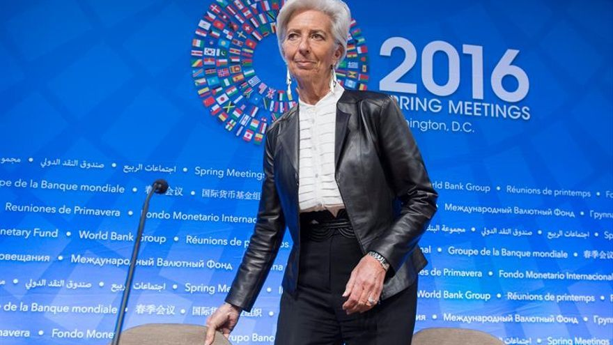 """El FMI prevé recesión """"menos profunda"""" en Rusia en 2016, con contracción de 1,2%"""
