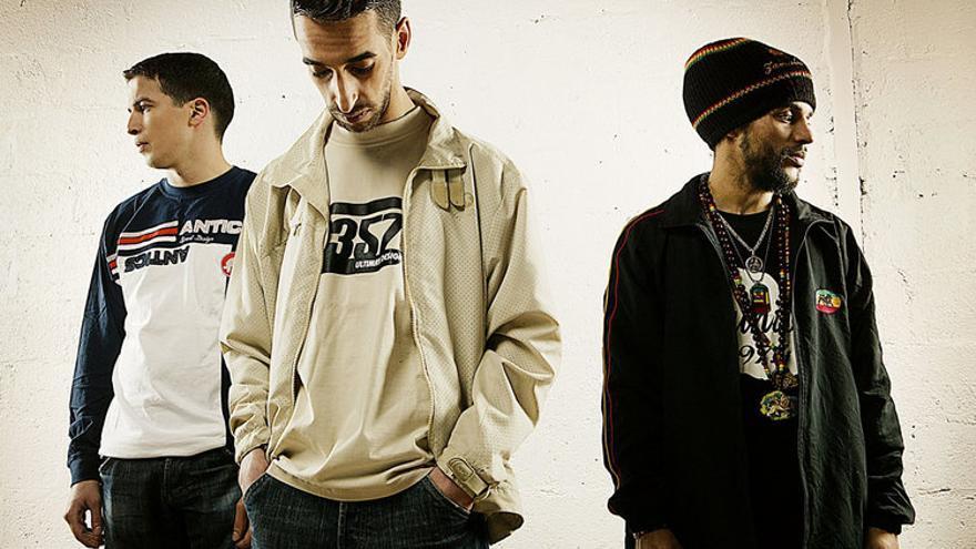 Miembros del grupo francés de rap Sniper