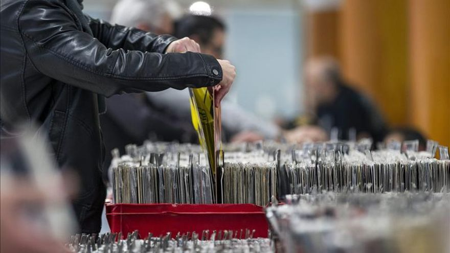 """Los discos de vinilo disfrutan de una nueva """"época dorada"""" en el Reino Unido"""