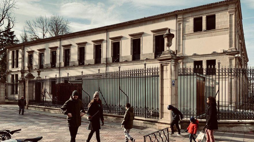 Vista exterior del Parlamento Vasco en Vitoria