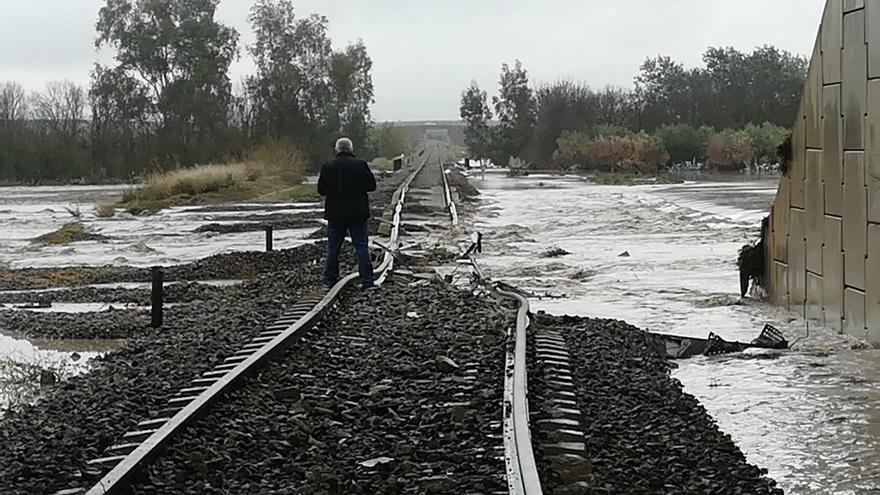 Foto compartida en Twitter por @marinma_aranda del lugar del accidente