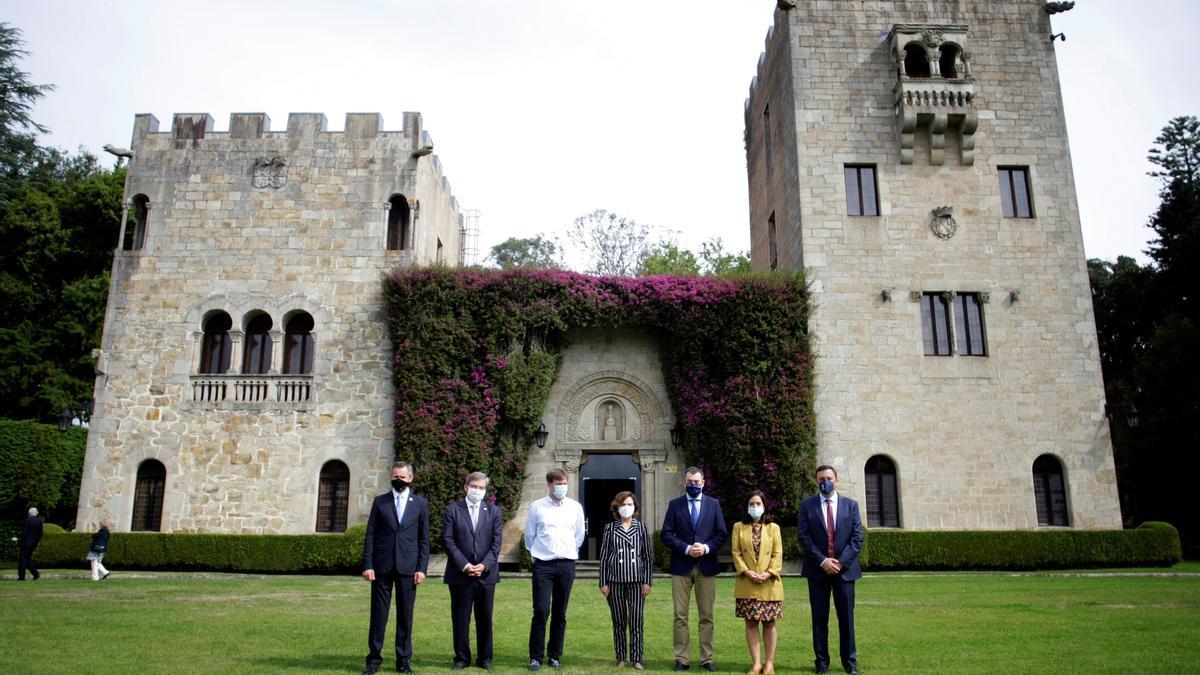La vicepresidenta primera del Gobierno y ministra de la Presidencia, Relaciones con las Cortes y Memoria Democrática, Carmen Calvo, ha presidido este sábado el acto de apertura institucional de los jardines del Pazo de Meirás.
