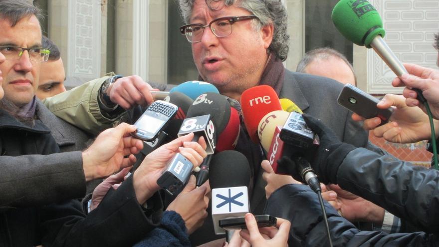 """Balmón (PSC) apela a la """"coherencia"""" de los diputados díscolos para que dejen el escaño"""