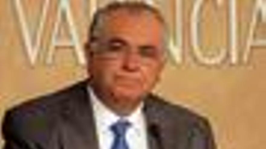"""Cotino dice que """"no ha habido trato de favor a ninguna empresa"""""""