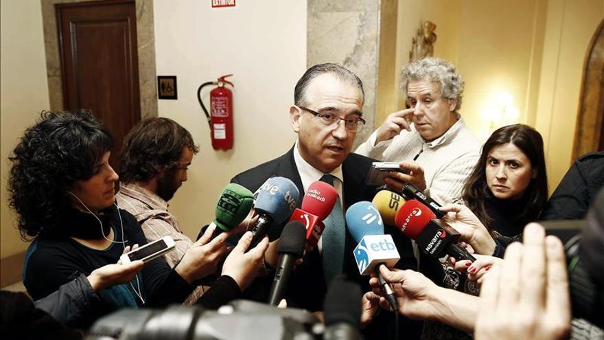 El alcalde de Pamplona presenta una nueva regulación para el cobro de dietas