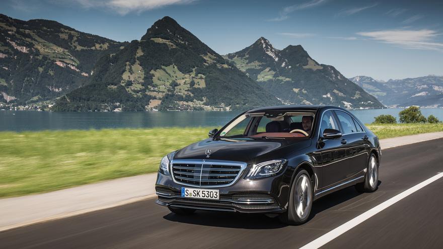 Mercedes-Benz exhibe en la nueva Clase S toda su experiencia.