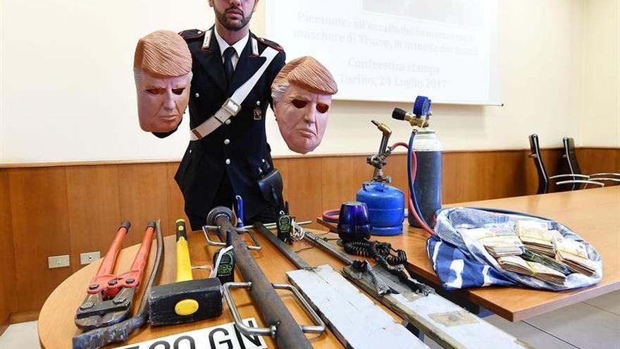 Detenidos en Italia dos hermanos que robaban cajeros con máscaras de Trump