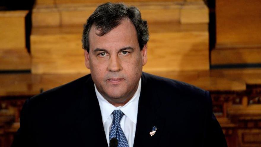 """Christie promete cooperar con las investigaciones tras """"decepcionar"""" a su estado"""