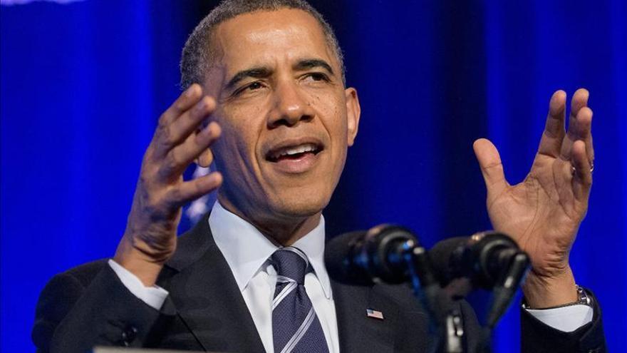 Obama pide perdón a ciudadanos que deben cambiar plan de salud por reforma