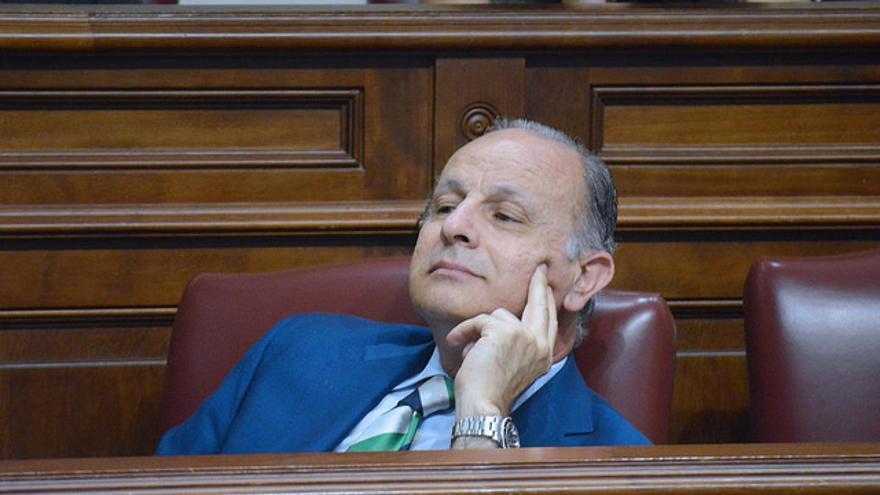 Jorge Rodríguez en el Parlamento de Canarias