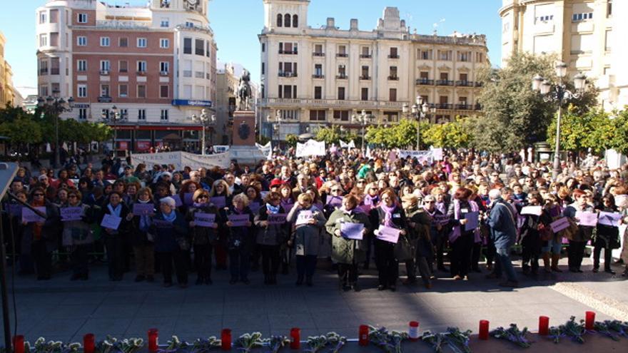 Protesta en las Tendillas contra la violencia machista.