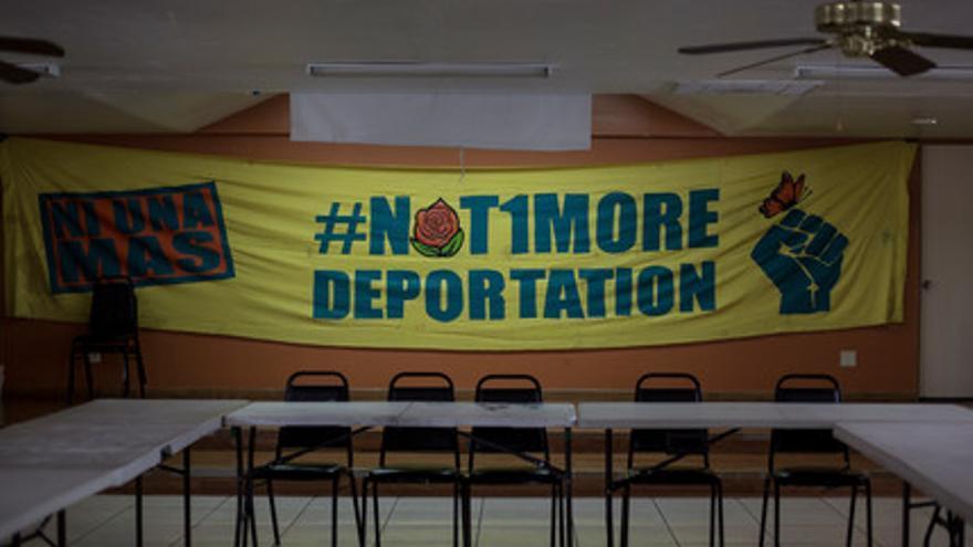 Carteles contra las deportaciones en la frontera entre Estados Unidos y México // Hans Maximo Musielik/Amnesty International