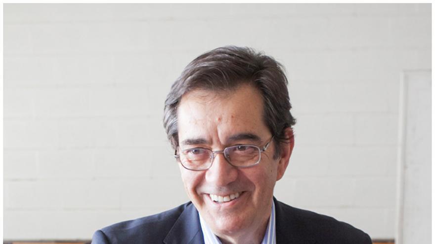 El catedrático de Matemáticas, Antonio Martinón, ha conseguido un respaldo abrumador.