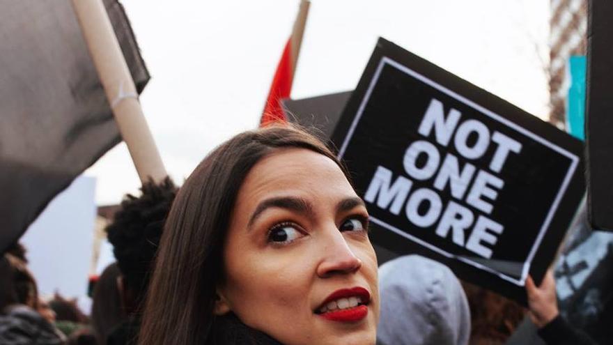 Alexandria Ocasio-Cortez, candidata demócrata al Congreso por el distrito 14 de Nueva York.