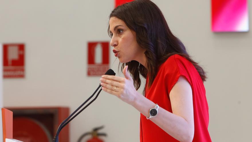 """Arrimadas no tiene dudas de que """"el culebrón del sillón"""" entre Sánchez e Iglesias acabará con un pacto de Gobierno"""