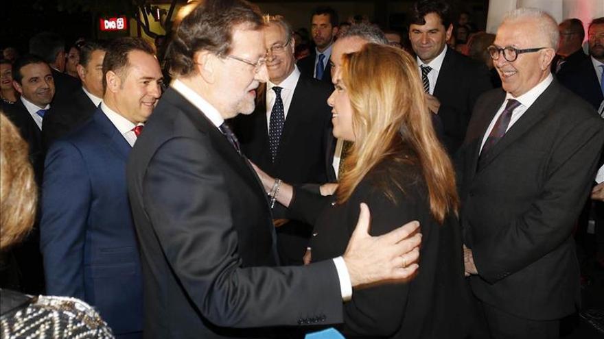 Rajoy subraya ante Díaz su compromiso a seguir colaborando con todas las administraciones