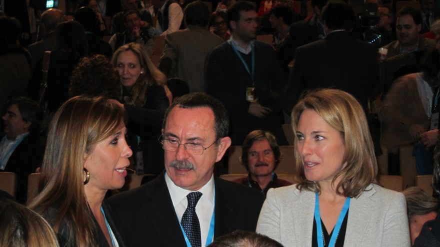 """Sánchez Camacho cree que los que se han ido """"tienen todo el derecho"""" pero que PP es el partido comprometido con España"""