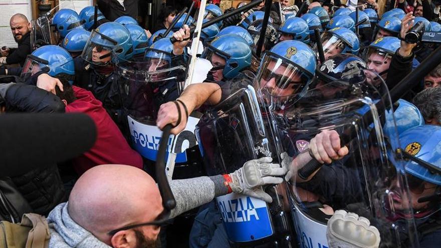 Los taxistas italianos suspenden su huelga convocada en protesta contra Uber