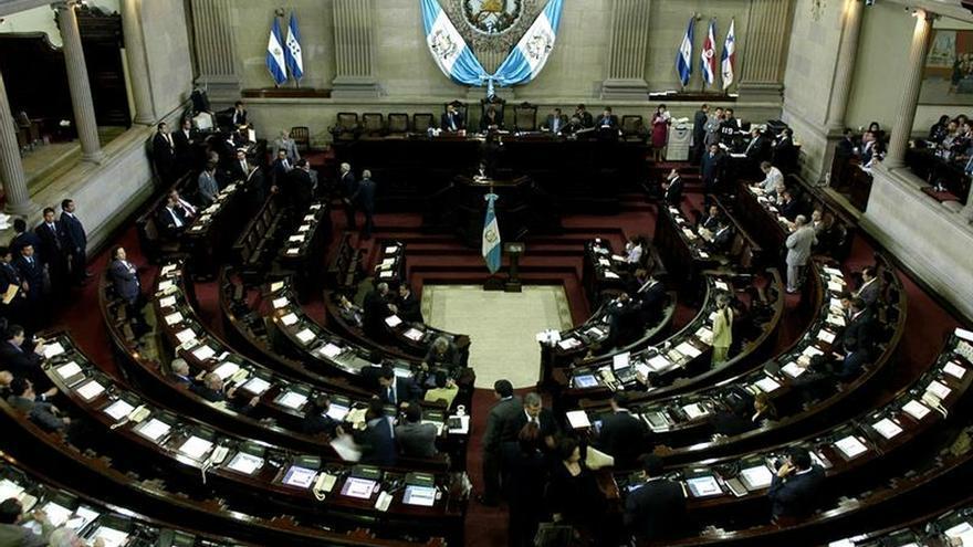 """En la imagen un registro del hemiciclo del Congreso de Guatemala, en donde avanzó este jueves la aprobación de dos declaratorias de """"Estado de sitio"""" en más de 20 municipios del país."""