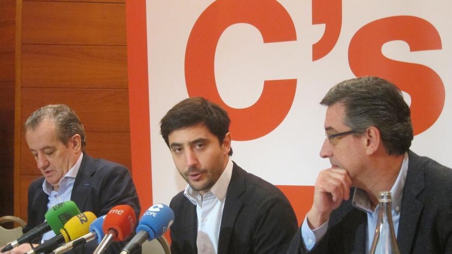 Podemos vuelve a criticar el contrato único y Ciudadanos recuerda que economistas como Piketty o Tirole lo defienden