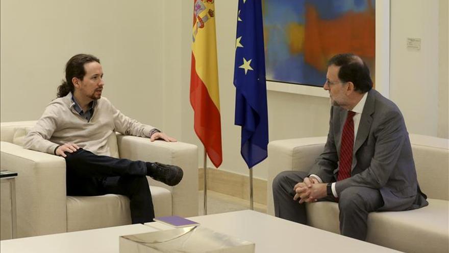 Rajoy e Iglesias se reúnen en Moncloa durante casi dos horas