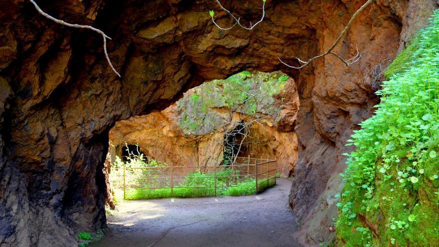 Mina de la Jayona, ubicada en el término municipal de Fuente del Arco / http://www.hospederiasdeextremadura.es/