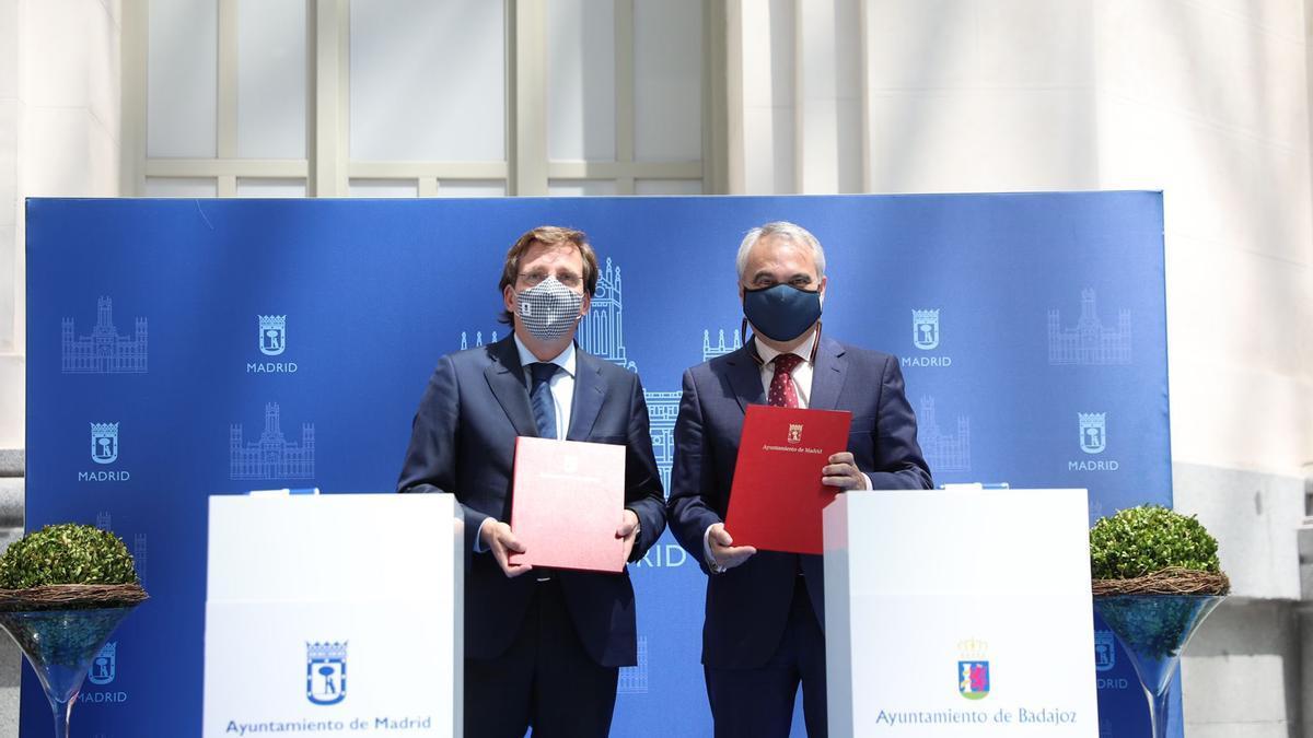 José Luis Martínez Almeida y Francisco Javier Fragoso