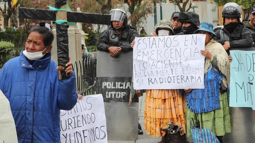 La desesperación de enfermos de cáncer por un tratamiento digno en La Paz