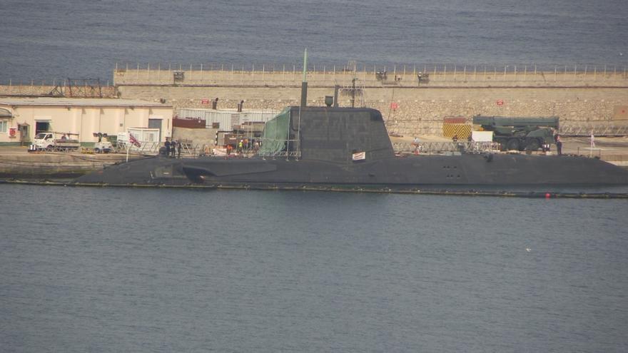El submarino nuclear 'HMS Ambush' abandona el Peñón para ser reparado en Reino Unido