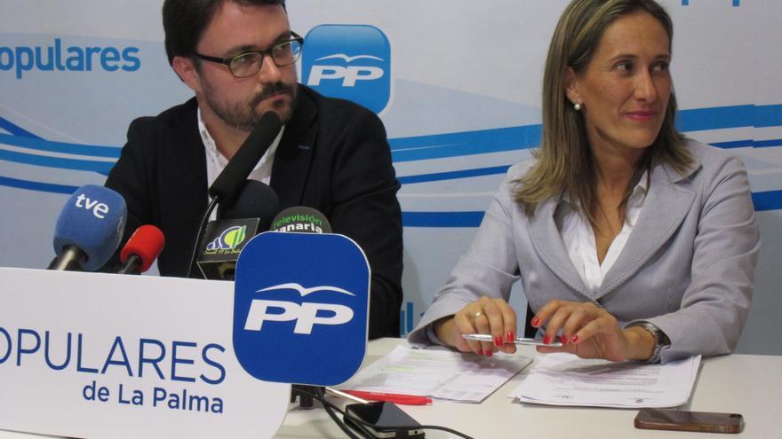 Asier Antona y Maite Pulido, este viernes en rueda de prensa. Foto: LUZ RODRÍGUEZ