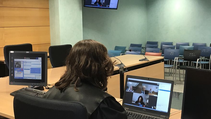 Fotografía de archivo de un juicio telemático celebrado en Navarra.