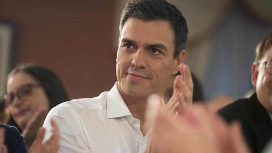 """Pedro Sánchez dice que el CIS revela que """"nadie quiere 4 años más a Rajoy"""""""