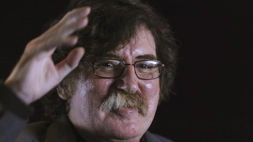 Hospitalizan de nuevo al músico argentino Charly García para un chequeo médico