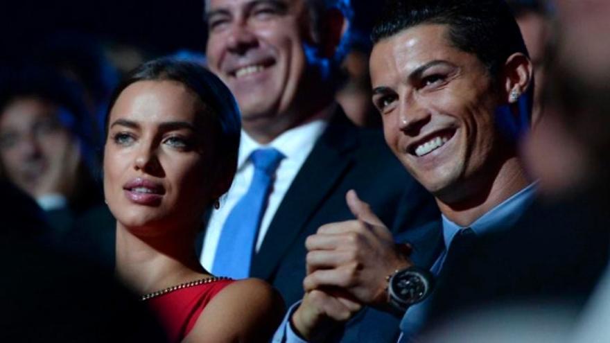 La cara seria de Irina Shayk con las bromas de Eva Hache sobre Ronaldo