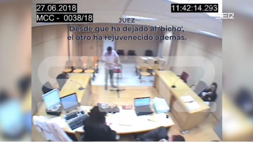 """Imágenes del juicio en el que el antiguo juez instructor llama a la denunciante """"bicho"""" e """"hija de puta"""""""