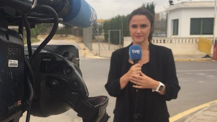 Arantxa Torres, vestida de negro en las protestas de RTVE de 'Viernes negros'