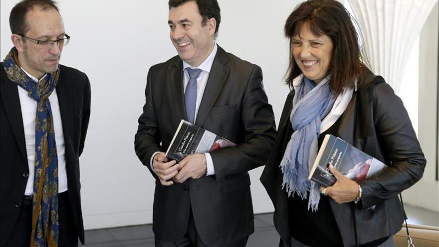 La Claudia Piñeiro más cercana participa en un café-tertulia con sus lectores