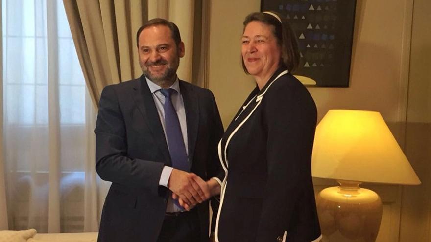 José Luis Ábalos y Violeta Bulc se han reunido para tratar la inclusión de las infraestructuras