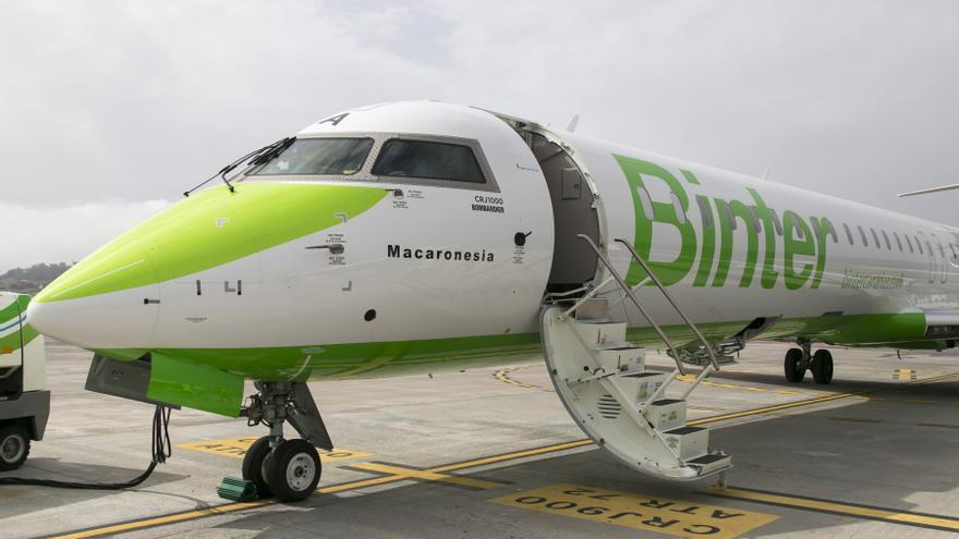 Avión Bombardier CRJ 1000 de la compañía Binter.