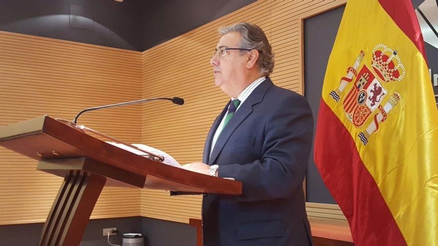 """Zoido ve un """"gran logro"""" que se imponga la posición de España sobre Gibraltar: """"Seguiremos trabajando con discreción"""""""