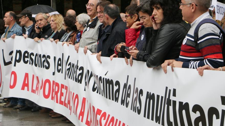Manifestación en Madrid contra la pobreza, la desigualdad y los tratados comerciales, el 17 de octubre de 2015. Imagen de Carmen Álvarez Tamés, Coordinadora de ONGD