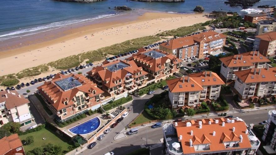 Los hoteles de Cantabria baten su récord histórico de viajeros alojados en agosto