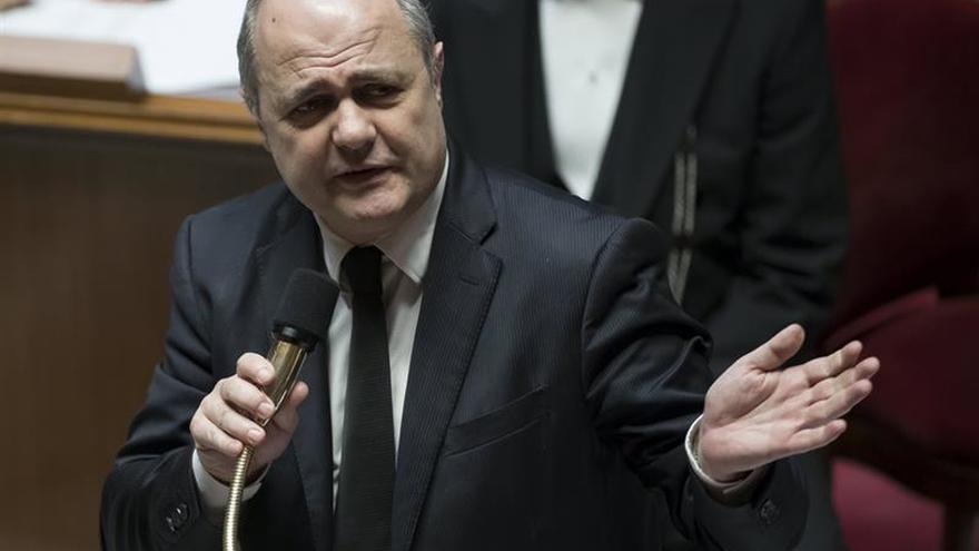 La Fiscalía gala analiza los contratos de las hijas del ministro del Interior