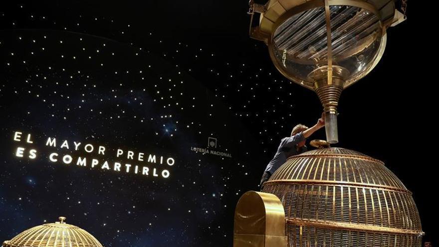 El Teatro Real ya está preparado para recibir a la suerte