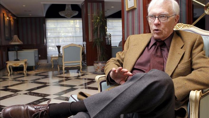 """Stanley G. Payne """"no descartaría una crisis total del sistema"""" en España"""