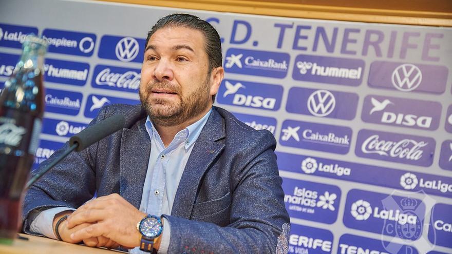 """Cordero reconoce que al Tenerife """"quizá le falta velocidad por fuera para llegar"""""""