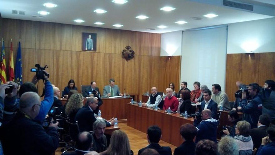 PP y concejales expulsados anuncian acciones legales contra el rechazo a la moción de censura en Orihuela (Alicante)