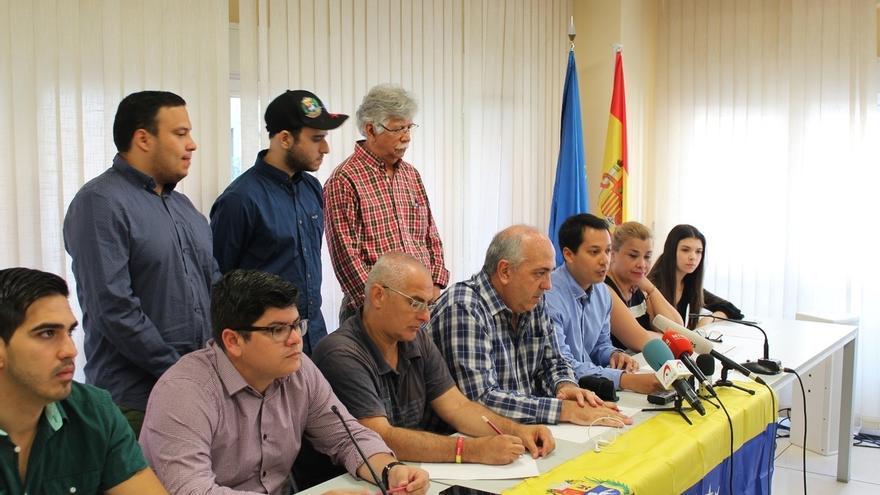 """Opositores venezolanos en Madrid piden a Rajoy """"toda la presión posible"""" sobre Maduro y llaman a una marcha este domingo"""
